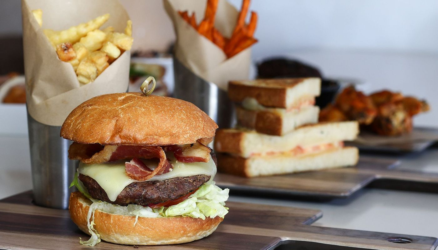 Great Burgers & Sandwiches at Shade Bar & Grill Orlando